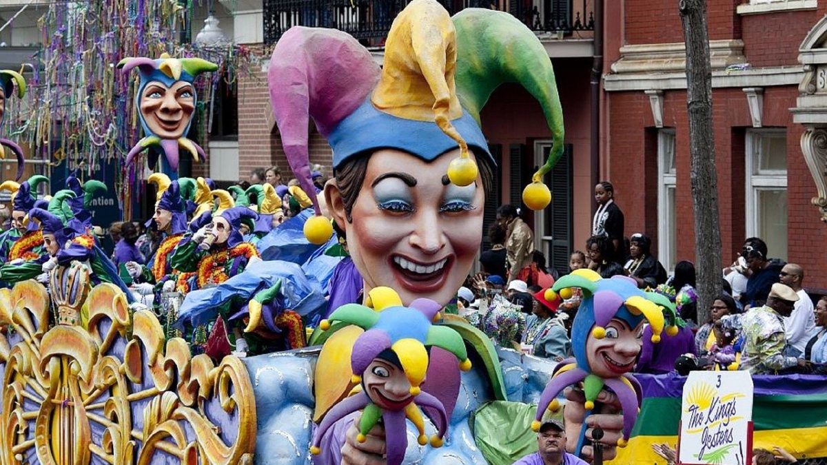 3 Top Thrift Tips For Mardi Gras 2020
