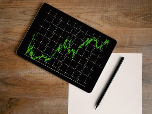 Three Tips for Students Looking to Invest