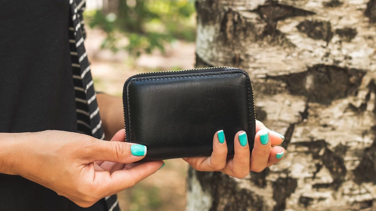 What Are The Downsides Of Waiving Credit Card Payments?