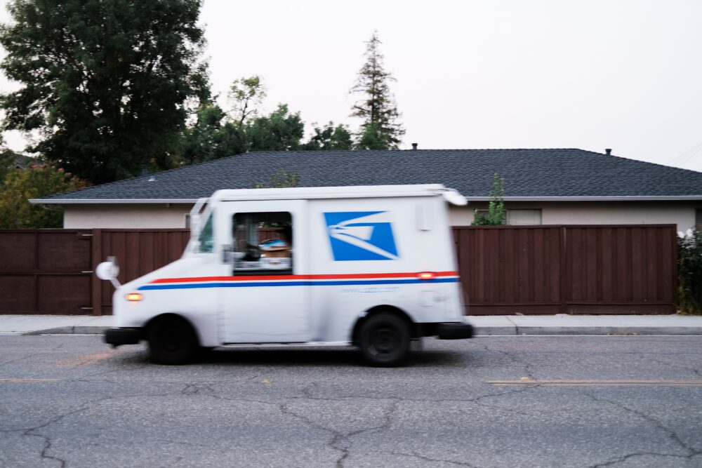 Is the Post Office Open on Christmas Eve 2017?
