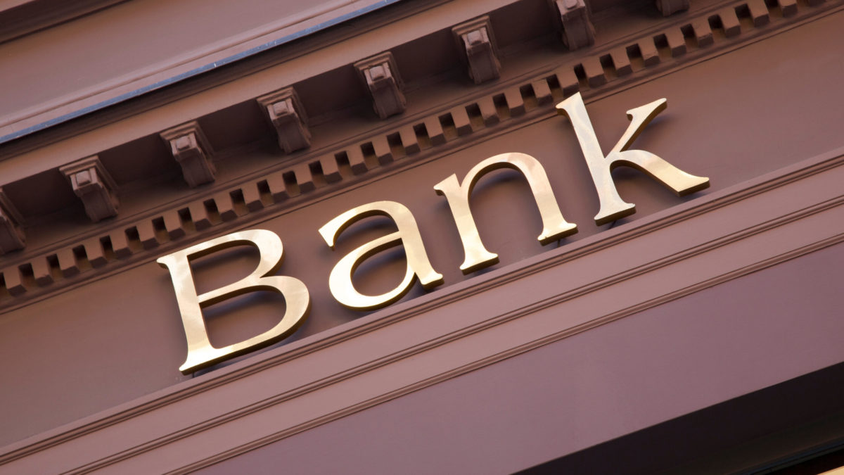 Which Banks Are Open on Sunday?