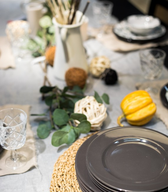 5 Ways to Save Money on a Tight Budget with Fall Decor