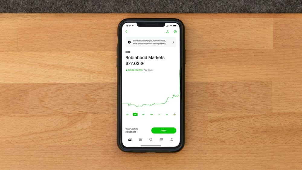 This is Why People Are Investing in Robinhood